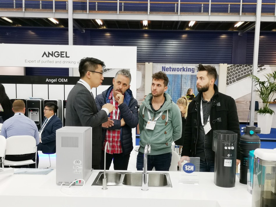 The A7, Angel's all-purpose water purifier drew attention from visitors