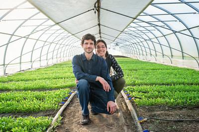 M. François Biron et Mme Julie Beauregard (Groupe CNW/Cabinet du ministre de l'Agriculture, des Pêcheries et de l'Alimentation)