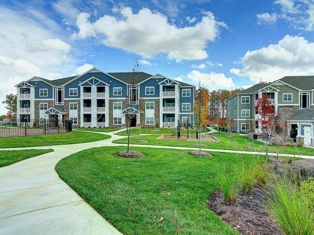 Multifamily investor Hamilton Zanze acquired the 244-unit Oasis at Montclair Apartments on November 5th.