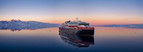 MS Roald Amundsen in Antarctica. Photo Credit: Dan Avila/Hurtigruten