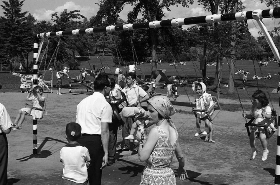 Parc d'amusement au lac aux Castors du mont Royal, 1970
