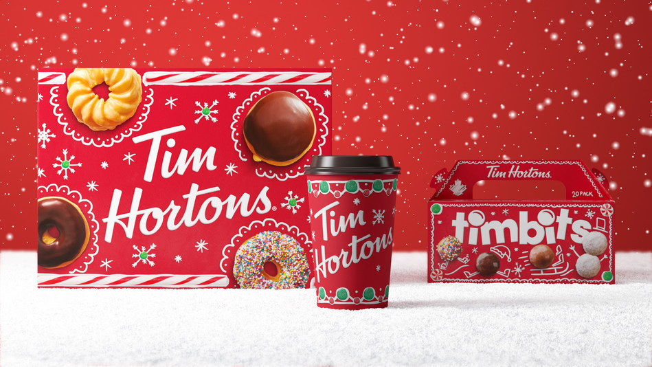 Tim Hortons 2019 fun and festive holiday cups and packaging are decorated with red and green gumdrops and candy cane pinwheels that will transport guests into a winter wonderland. (CNW Group/Tim Hortons)