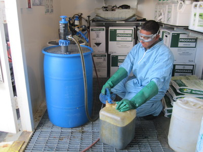 GoatThroat's patented hand-pressurized precision pumps provide a way to safely mix the proper chemicals into existing fertilizer tanks without costly spills or risk of injury.
