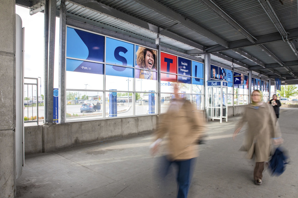 With new colours, a photo bank and a revamped iconography, the makeover puts people at the core of the message and relies on a more urban art direction. The concept was developed from scratch by the STL and its advertising agency Forsman & Bodenfors. (CNW Group/Société de transport de Laval)