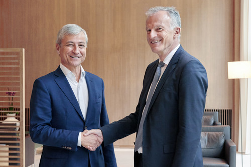 Jean-Philippe Courtois, EVP and president, Microsoft Global Sales, Marketing & Operations (left) and Christof Mascher, COO and member of the Board of Management of Allianz SE (right)