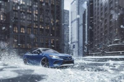 Toyota presenta los nuevos modelos Camry y Avalon de tracción total para ayudar a los conductores a tener un mejor agarre en carretera (PRNewsfoto/Toyota)