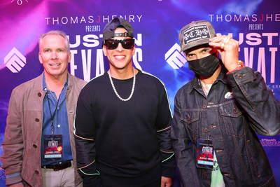 Thomas J. Henry, Daddy Yankee y Alec Monopoly ©Getty Images (PRNewsfoto/Thomas J. Henry)