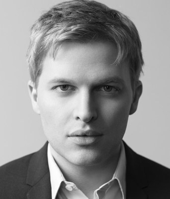Pulitzer Prize-winning journalist Ronan Farrow talks about his new book Catch and Kill at a Canadian Journalism Foundation J-Talk in Toronto on Dec. 3. (CNW Group/Canadian Journalism Foundation)