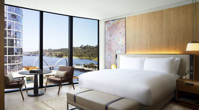 The Ritz-Carlton, Perth offers 205 elegantly-appointed guestrooms including 19 suites, which feature sweeping city and Swan River views.