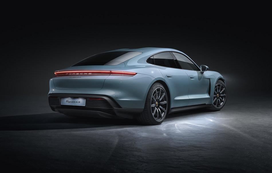 Porsche_Taycan_4S