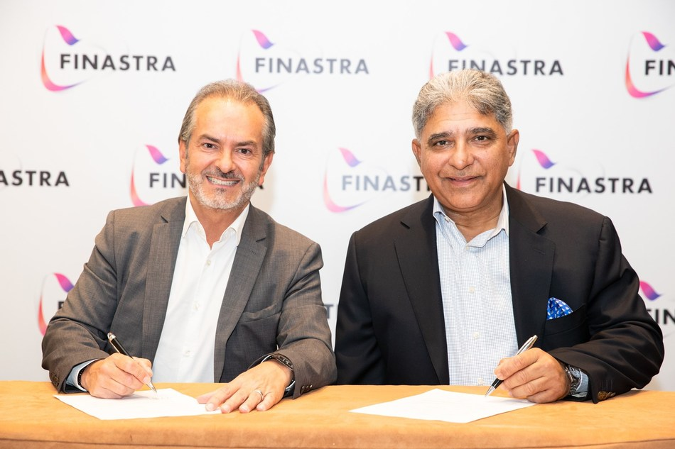 Eric Duffaut, President and Global Head of Field Operations, Finastra (left) with Abid Sattar, CEO and President, Askari Bank (right) at Finastra Universe Dubai 2019 (PRNewsfoto/Finastra)