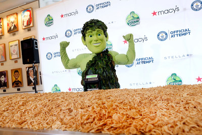 Green Giant sets a new GUINNESS WORLD RECORDS title by cooking a 1,009 lb. green bean casserole that will be served to 3,000 New Yorkers in need through Citymeals on Wheels.