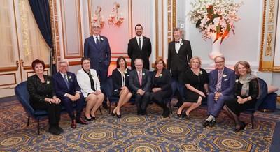 Les onze récipiendaires de la distinction Avocat émérite 2019 et le bâtonnier du Québec, Me Paul-Matthieu Grondin (debout au centre) (Groupe CNW/Barreau du Québec)