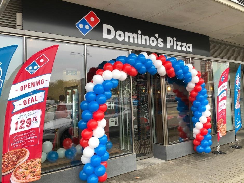 Domino's first store in the Czech Republic is now open. Residents of Brno can now enjoy hot, made-to-order Domino's pizza in-store or delivered to their doorstep.