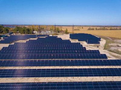 A planta Starosynyavs'kyi, de 5.6 MW, mantida com módulos solares D72N da Jolywood (PRNewsfoto/Jolywood (Taizhou) Solar Techno)