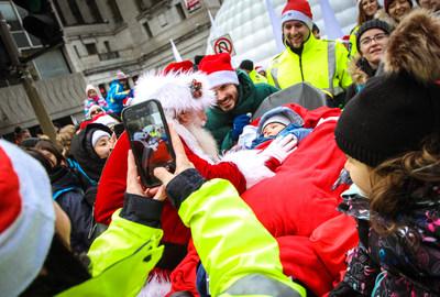 A magical day for more than 50 sick kids at the Montreal Santa Claus Parade, courtesy of Urgences-santé! (CNW Group/Urgences-santé)