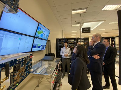 David Wright visita el Centro de Investigación y Desarrollo Global de Smart Wires