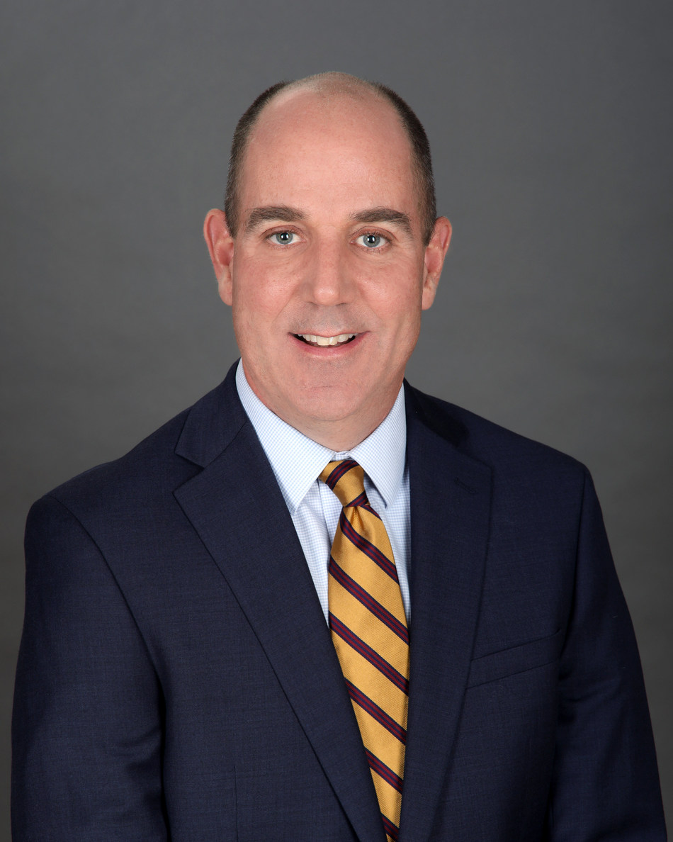 Maury Smith, Avison Young Principal, based in Hartford, CT (CNW Group/Avison Young)