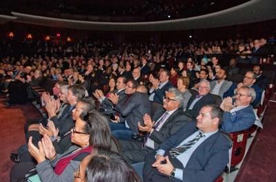 Capacity crowd celebrated former Premier the Honourable William G. Davis receiving the Key to the City of Brampton (CNW Group/The Corporation of the City of Brampton)