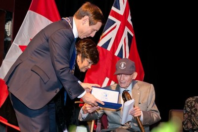 Pictured (L to R): Mayor Patrick Brown, Maria Britto, Bill Davis (CNW Group/The Corporation of the City of Brampton)