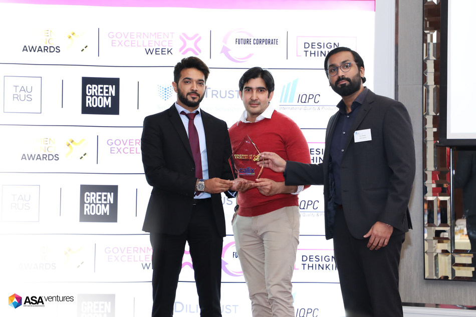 Receiving the Best Digital Customer Center award at the Government Excellence Awards 2019. L-R: ASA Ventures CEO Arif Saiyad, Head of Enterprise Relations Saqib Bari, CMO Nitin Nambiar.