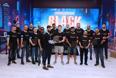 Banggood offered great discounts and coupons worth 3,000,000 USD to more than 20,000 lucky users globally. To start its shopping event for Black Friday 2019, it invited the influencers to gather at the company's headquarters in Guangzhou on 27th to conduct a live broadcast show.