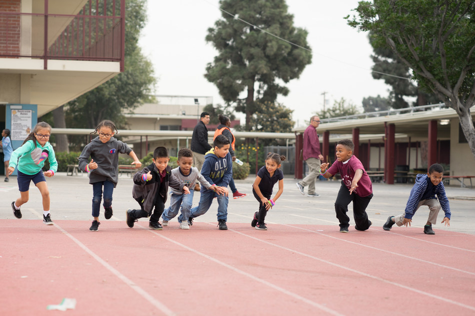 Students at 112th Elementary School in Los Angeles get ready to run with support from Action for Healthy Kids.
