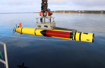 REMUS 600 Unmanned Underwater Vehicle (UUV) with High-Resolution Interferometric Synthetic Aperture Sonar (HISAS).