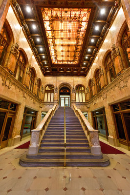 The spectacular lobby of the Woolworth Building.