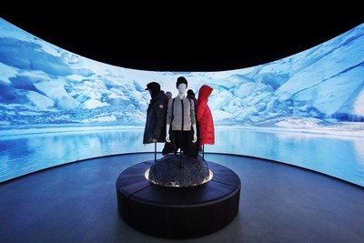 The Elements Room: 60-foot wide curved displays project bespoke seasonal landscape content. (CNW Group/Canada Goose)
