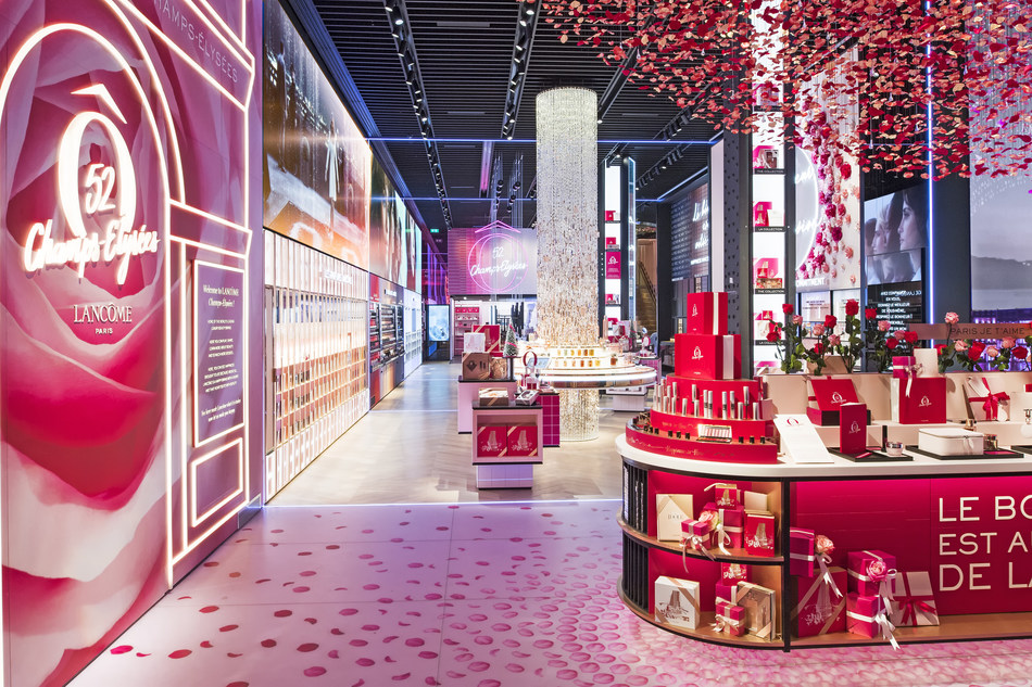 LANCÔME's first flagship finds new address at 52 CHAMPS-ÉLYSÉES in Paris (PRNewsfoto/Lancôme)