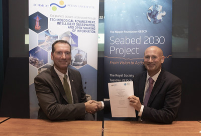 Schmidt Ocean Institute Director of Operations Eric King and The Nippon Foundation-GEBCO Seabed 2030 former Acting Director Graham Allen sign the Seabed 2030 Memorandum of Understanding at the Royal Society in London. Image credit: John Cobb/The Nippon Foundation-GEBCO Seabed 2030 Project.
