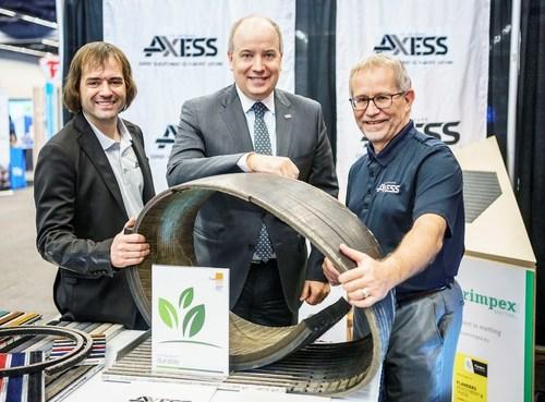 From left to right: Ian Lafontaine, Development Manager, Le Groupe Axess; Martin Massé, Vice President of Public Affairs, Aéroports de Montréal; Guy Nobert, Sales Manager, Le Groupe Axess (CNW Group/Aéroports de Montréal)