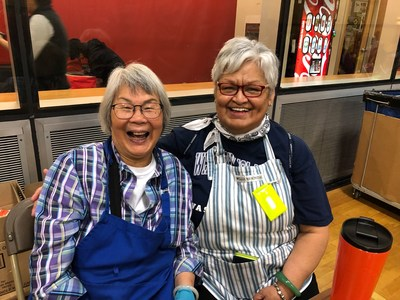 Angelina and Debbie-best friends and volunteers (CNW Group/The Greater Vancouver Food Bank)