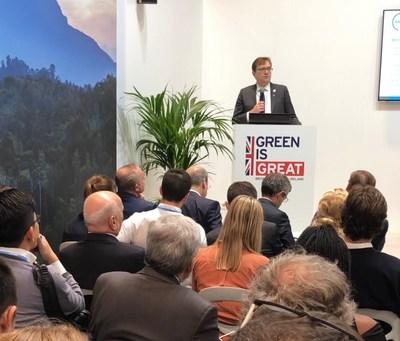 Le ministre de l'Environnement et du Changement climatique, Jonathan Wilkinson parlant de l'Alliance Énergisé au-delà du charbon lors de COP25. (Groupe CNW/Environnement et Changement climatique Canada)