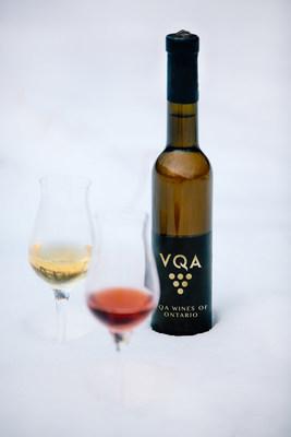Enjoy Ontario VQA Icewines at festivals across the Niagara Peninsula this January 2020. (CNW Group/Wine Marketing Association of Ontario)