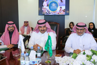 SDRPY Communications Director Abdullah Kadasa (L), Saudi Ambassador to Yemen and SDRPY Supervisor-General Mohammed Al Jabir (C), and SDRPY Projects and Studies Director Eng. Hassan Alattas (R) explain Saudi development projects and initiatives in Yemen to MSF representatives in Riyadh (11 December 2019)