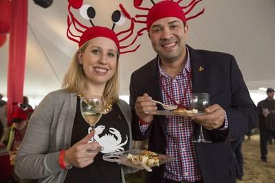 Fans of crab and wine enjoy the Mendocino Crab Feast. Photo: Visit Mendocino.