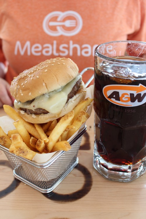 A&W and Mealshare partner to provide meals to youth in need. (CNW Group/A&W Food Services of Canada Inc.)