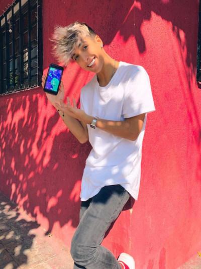 The app is especially popular with 18 to 25 year olds.  Copyright: Rafael Delgado (PRNewsfoto/Ablo)