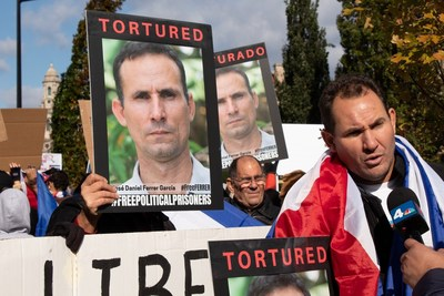 Protesters call for the release of Jose Daniel Ferrer