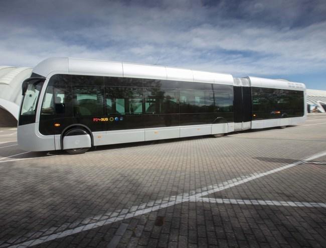 Van Hool ExquiCity tram-bus (CNW Group/Ballard Power Systems Inc.)