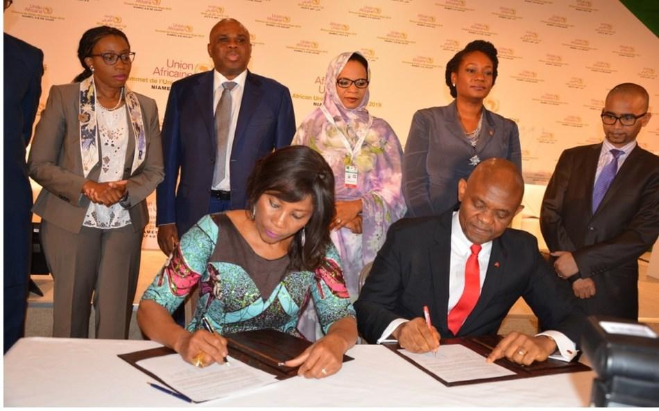 Signing the TEF-UNDP Entrepreneurship Programme in Niger--Tony Elumelu, Founder, Tony Elumelu Foundation and Ahunna Eziakonwa, UNDP Regional Director for Africa
