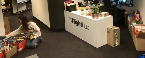 FlightHub is packing Gifts for Kids (CNW Group/FlightHub)