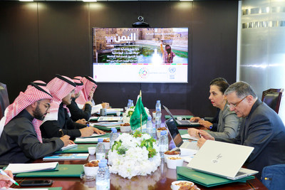 United Nations Under-Secretary-General and ESCWA Executive Secretary Dr. Rola Dashti (2nd from right) at the headquarters of the Saudi Development and Reconstruction Program for Yemen in Riyadh (23 December 2019)