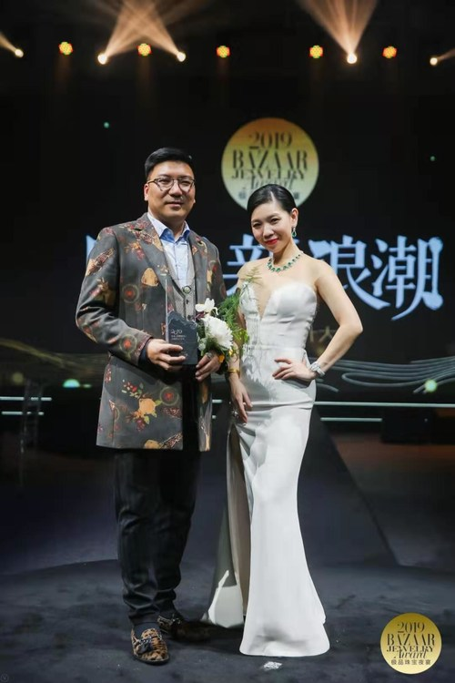 Photo of Mr. Shen Kai, general manager of Matro GBJ and Madame Jing Jing, executive publisher and chief editor of Bazzar Jewelry