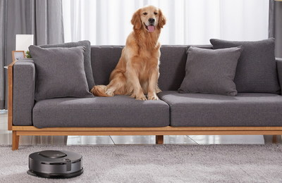 With its front-mounted Dual Eye camera, CordZeroThinQ Robotic Mop can accurately detect and recognize its surroundings to avoid collisions with household furniture and pets.