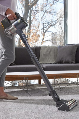 LG's proprietary Power Drive MopTM technology transforms both the CordZeroThinQ A9 and CordZeroThinQ Robotic Mop into the perfect tools for keeping floors spotlessly clean.