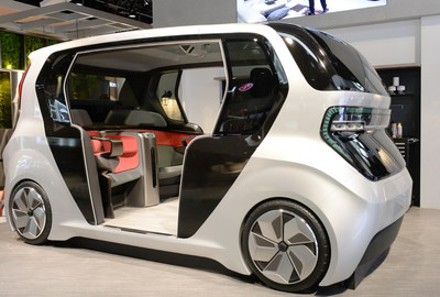 In the Connected Car Zone, LG will demonstrate a more personalized in-car experience that allows drivers and passengers to take a piece of home on the road with them.