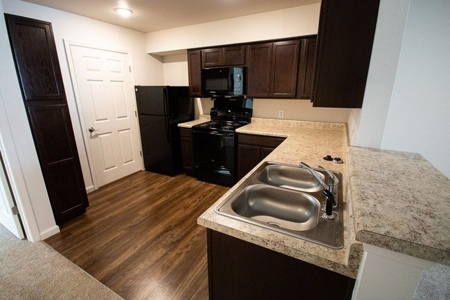 The Gables Greenwood Indiana Apartment Kitchen
